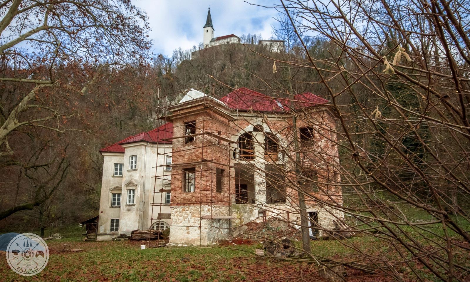 Dvorec Podgrad pri Vranskem pod taborsko Cerkvijo