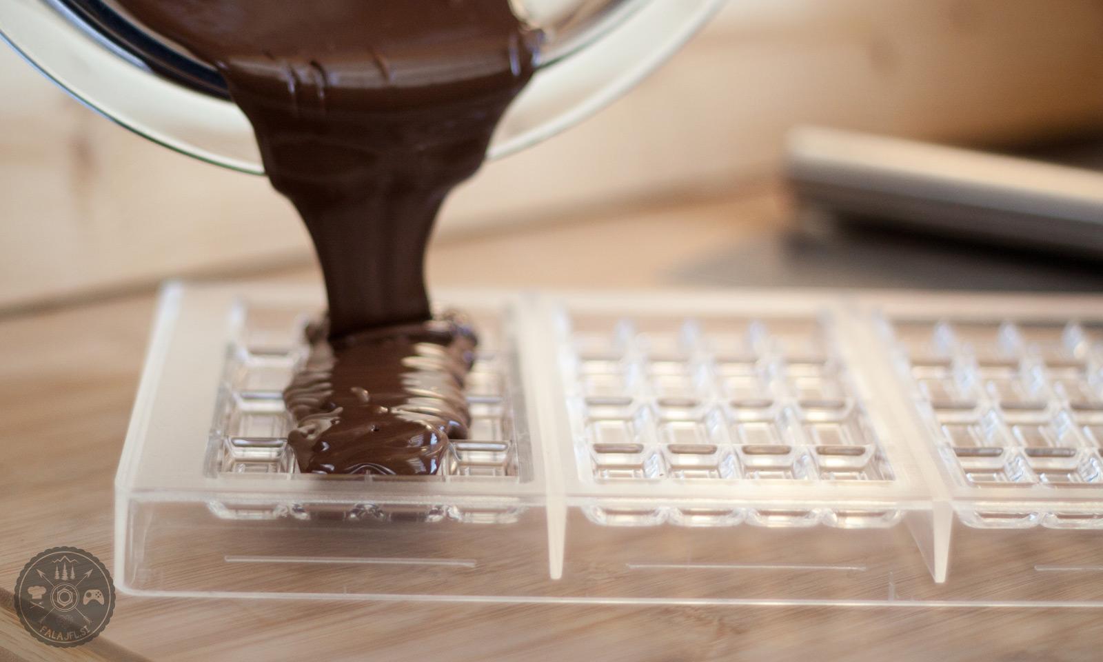 vlivanje čokolade