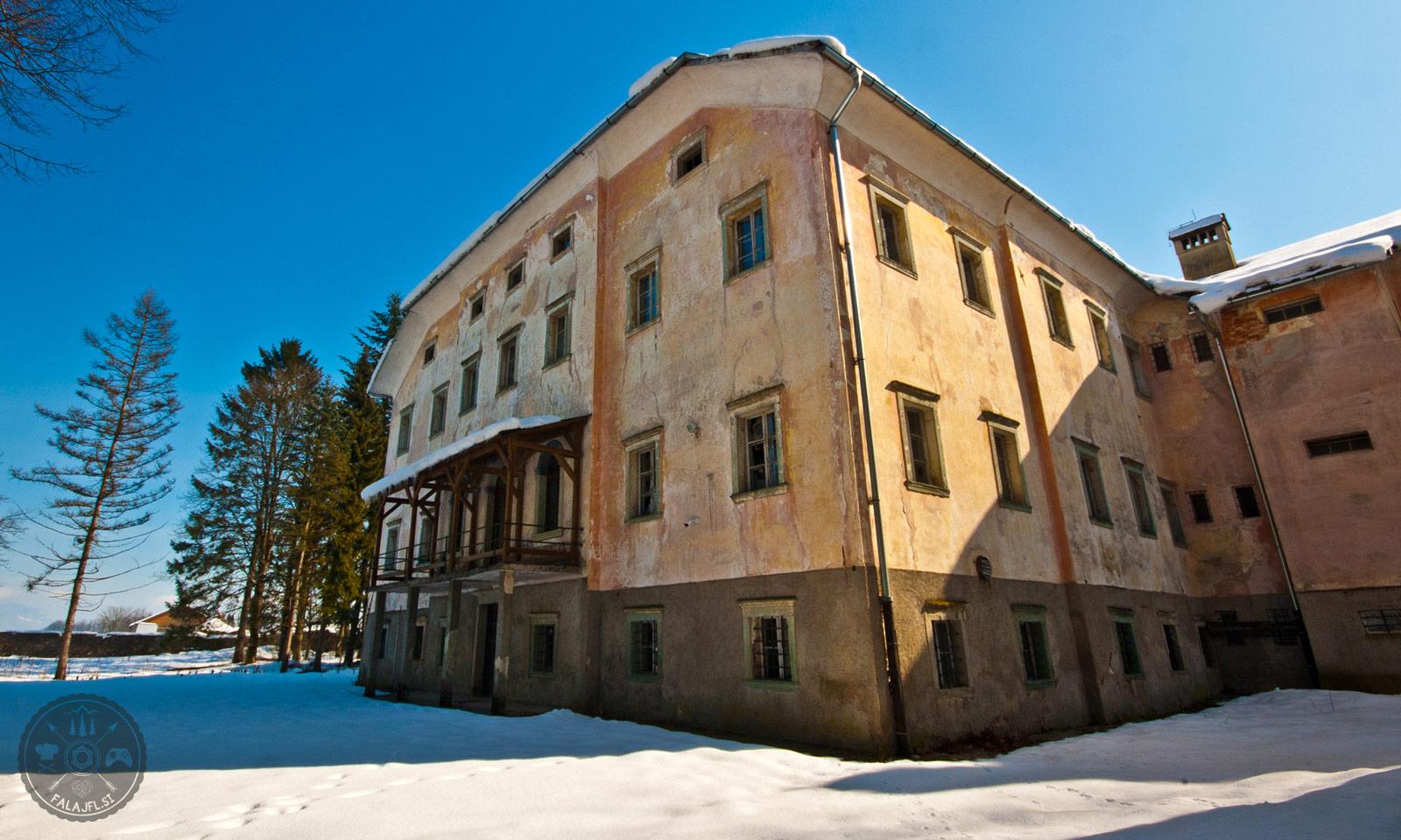 Svorec Smlednik, dvorec Lazarini, valburga