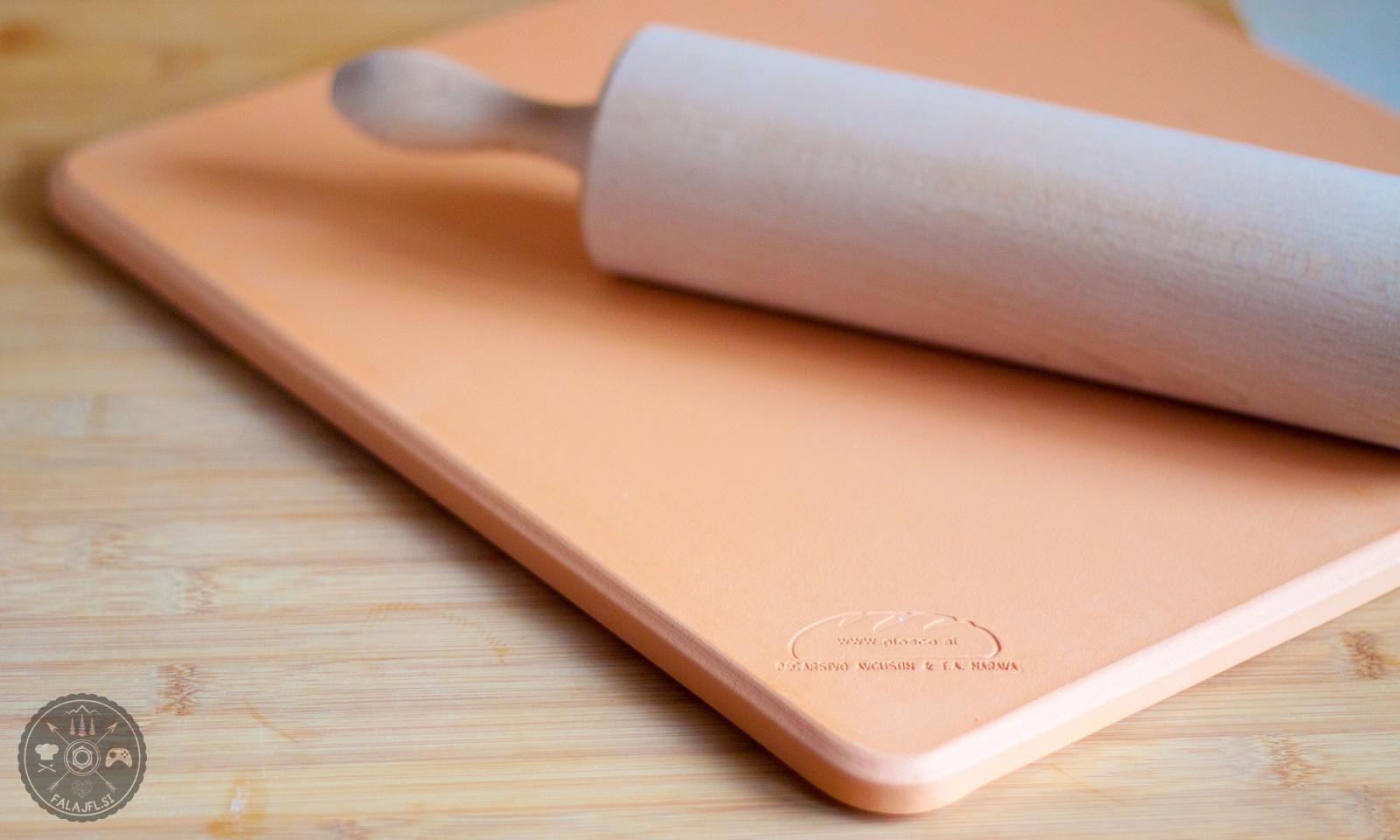 glinena plošča za peko
