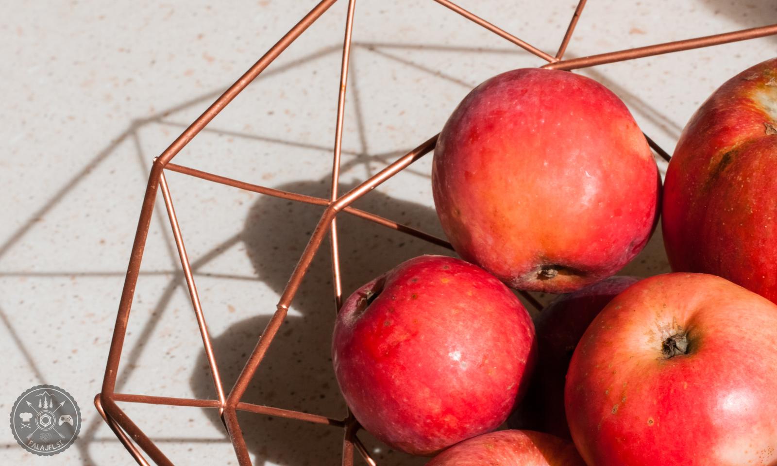 jabolka, kruh, cimet, jesen