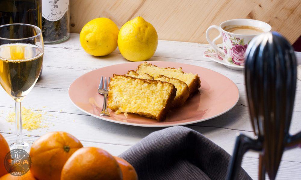 pečen limonin kolač