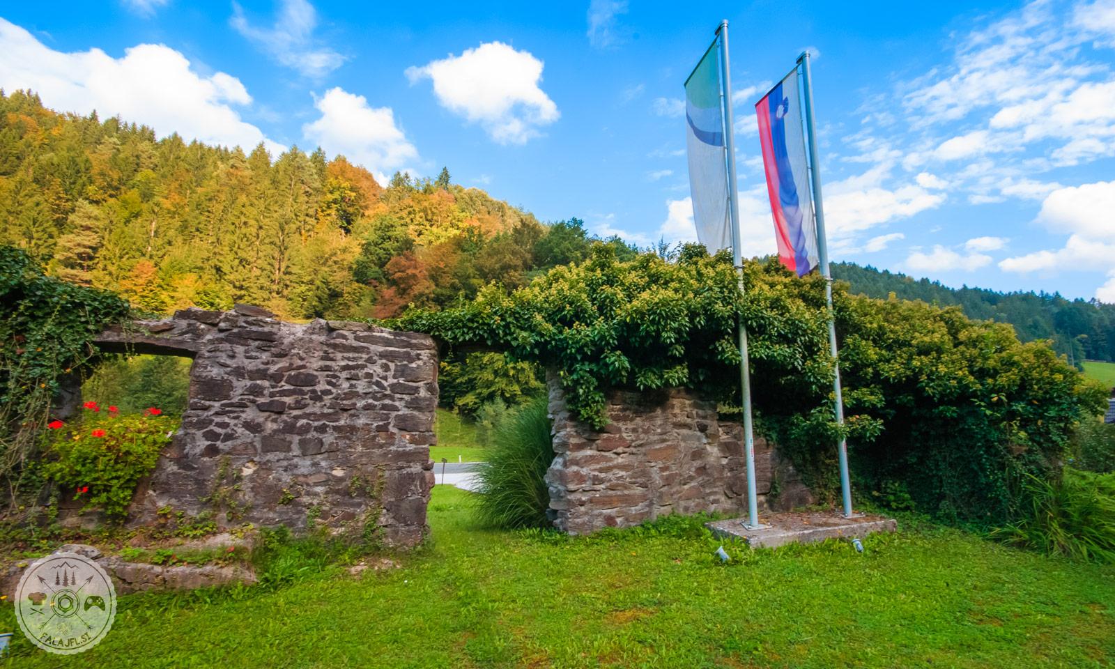 spomenik Orehovica, NOB, 2. svetovna vojna, obeležje